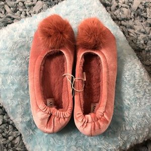 Shoes - Fuzzy Slipper Shoes